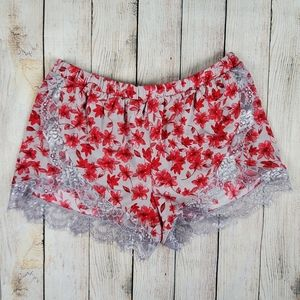 Express one eleven NWT lace trim floral shorts